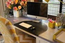 Crafting/Office/Work space / by Anny Ferreira