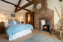 Romantic Cottages / Beautiful cottages for romantic holidays and weekends away with loved ones.