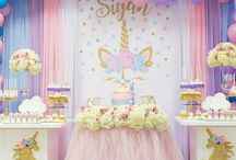 Unicorn Party Ideas / Party ideas for a unicorn theme birthday. Unicorn games, unicorn invitations, decor, food, and free printables. Love the pastel colors and fun options for this girl birthday party theme!