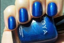 Polish: Blue skies smilin' at me / Blue nail polish for every mood