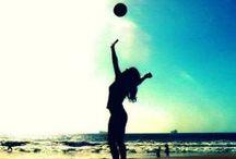 V o l l e y b a l l / Volleyball DUH!!!!!!