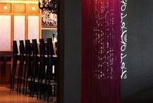 Restaurant OSKARS / Art Nouveau & Jugendstil heißen Sie herzlich Willkommen! Im Herzen der Stadt, liegt das Restaurant Oskars. Bei uns wird gastfreundliche Atmosphäre mit stilvollem – modernem Ambiente verbunden.