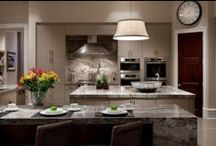Custom Home Kitchens / Our new luxury homes are unique, innovative, and solidly constructed by master craftsmen. With over 50 years of experience and know-how, Osprey Custom Homes offers what you need to design and build your dream home.
