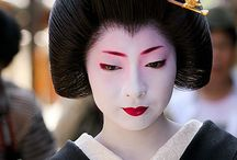 Geisha / Geiko in Black and Dark