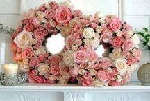 Wreaths / Dol op kranzen  / by Sandra van 't Oor