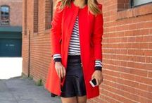 Ruhák - Piros kabátok