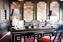 Chic BLACK spaces / DIY | Home blogger, Astral Riles provides a compilation of her favorite spaces that incorporate black walls in the interior design. http://www.astralriles.com