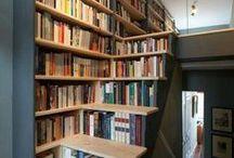 Livros, tesouros organizados / Estantes, prateleiras, acessórios para organizar os livros. / by Patricia Daniel