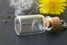Svět v lahvi (The world in a bottle) / Svět v malých lahvičkách! (World in small bottles!)
