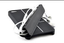 Smart Magneto Cover per iPhone 5 / Custodia Smart Cover magnetica Custodia che protegge il tuo iPhone 5 sul retro e sui lati, trasforma la tua cover in un comodo supporto, conserva i tuoi cavi senza grovigli, riponi il tuo iPhone su superfici di metallo. su: www.iwe-italia.com
