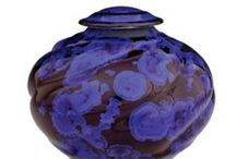 Ceramic and Porcelain Cremation Urns / The Casket Store offers ceramic and porcelain memorial cremation urns at discount prices to the public. http://www.thecasketstore.com