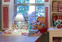 Sewing Room Ideas / Different ways to set up a sewing room.