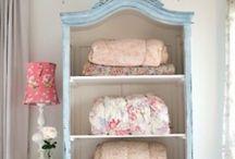 Linen closet / Get organized