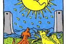 Tarot: XVIII the Moon