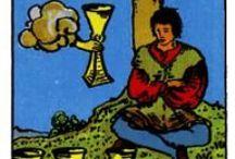 Tarot: Four of Cups