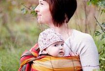 Chusty do Noszenia Dzieci / Chusta do noszenia dzieci  idealnie buduje także więzi między dzieckiem a rodzicami, dając dziecku poczucie bliskość i kontaktu z mamą, którego tak bardzo potrzebuje.