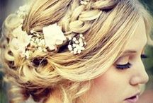 Wedding | Hair ideas / Boho bridal hair ideas for your big day. Hair tutorials and style ideas to ensure you look fabulous on your wedding day. A mix of up dos and down dos and plaits.
