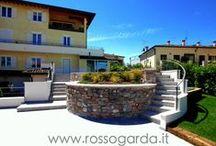 Appartamenti in vendita a Desenzano del Garda / L'agenzia immobiliare Rosso Garda vende e affitta appartamenti di varie metrature, numero locali e fasce di prezzo a Desenzano del Garda