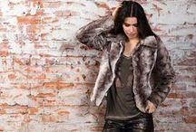 Collectie herfst winter 2015-2016 / Met merken als RINASCIMENTO, AVALANCHE, SENSO, BETTY BARCLAY, GEISHA, VERSO, YEST, DIVAS, NED, DIVERSA, PARA MI en LA VOILA heeft Boetiek CARLA Womenswear in Willebroek een uitgelezen assortiment dameskleding die elke moderne vrouw bekoort.