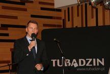 I. Tubadzin Design Day - Magyrország / A Tubadzin gyár, minket a Matyó és Takács kft.-t tisztelt meg azzal hogy Magyarországon az első Tubadzin Design Dayt együtt tarthattuk, és mutathattuk be a legújabb gyártói trendeket a viszonteladóink részére. A kimagasló szakmai programok mellett, a kikapcsolódást Tóth Vera, Badár Sándor és a Tom White & the Mad Circus zenekar biztosította. A vacsorát a gárdonyi Nautis Hotel főszakácsa álmodta meg, a szebbnél szebb borokat  Günzer Tamás pincészete biztosította.