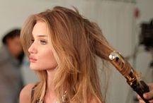 Blonde Model Paradise (●ↀωↀ●)