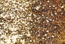 Lady in Golden, Glam & Sparkle / by Mirian Mendes