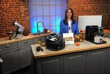 Holiday Entertaining and Gifting 2015 / Lifestyle Expert Justine Santaniello partnered with De'Longhi and Kenwood this year to provide tips on the products that can help make this process more fun and a lot less stressful for you. Now you'll have more time to enjoy the best part of the holiday, the meal, and all of the people you're serving.
