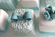 PETIT FOUR - CUPCAKES / Petit fours; cupcakes; cake pops and other tiny cakes!