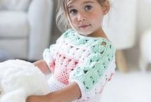 Horgolt baba ruhák