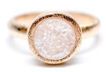 Drusy Quartz / One of our favorite stones. Some jewelry ideas for drusy quartz