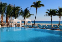 Fort Lauderdale Lodging / Looking for lodging options for your next Fort Lauderdale vacation, wedding, meeting or other special event? Here are some ideas! #fortlauderdale #lauderdalehotels
