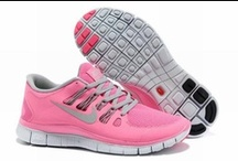 FEMME CHAUSSURES NIKE FREE 5.0 / by Renato Awalt