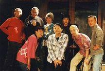 DRUMMERS1 / 2013年9月7日、8日の憂歌団島田和夫祭りにドラマーズで出演させていただくことになっています。島田さんに関西に呼んでいただいたり、こちらから東京におさそいしたり、一緒にドラマーズで活動していた当時の事がなつかしく、写真とちらしを載せたいと思いました。新井田耕造 (blogより)
