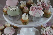 Cupcakes.. Mini Cakes.. Cake Pops.. / Cupcakes para festas... lembranças...