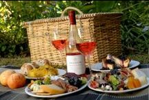 Picnic Baskets / Heritage Hampers Ltd provides a large range of picnic hampers. When the weather is nice, what's better than a picnic outdoor in the countryside?