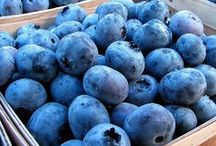 Blueberries / Your frozen blueberries from your share have been flash frozen and will keep indefinitely in your freezer and can be added to smoothies and baked goods to increase nutritional content and flavor.