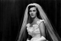 Bride & Wedding / Essere innamorati è trovarsi tra mille persone ed essere inchiodati a un'unica immagine.
