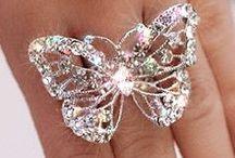 Orecchini...collane....bracciali...anelli / Diamonds Are a Girl's Best Friend