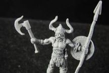 miniature - bare-chested barbarians and gladiators