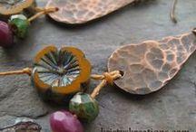 Jewelry using Czech Glass Hawaiian/Hibiscus Flowers / Jewelry using Nirvana Beads Hawaiian/Hibiscus Czech Glass Flowers