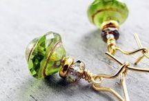 Jewelry using Saturn Beads