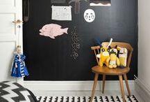 shopinstijl.nl BLOG / Op de website van Shopinstijl.nl vind je dagelijks nieuwe beelden van inspirerende interieurs. Woonkamers, eetkamers, slaapkamers, werkplekken, kinderkamers en babykamers. Interieurinspiratie met informatie welke producten erop de foto's staan EN waar je deze (online) kunt kopen. De mooiste design producten en meubels en hun budget alternatief. Tips en tricks over hoe je je huis in kunt richten en waar je op moet letten en achtergrondinformatie over de mooiste woon merken, design labels.