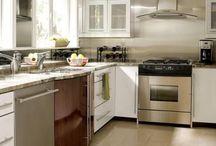 Itchin to redo the kitchen / by Deb Shumake