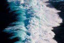 ondas / waves / água moldável, matéria líquida, azuis molhados...mar...