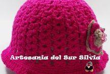 Gorros-Bufandas-Mantas-Ropa de Artesania del Sur Silvia / Como muestro en el título realizo toda clase de ropa a crochet, como patucos, rebecas, tops, gorros, faldas, pantalones, bufandas, mantas, cojines, hogar, etc...-------  www.silvia-artesaniadelsur.blogspot.com