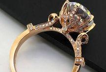 Diamond Rings / Drool worthy Diamond rings!