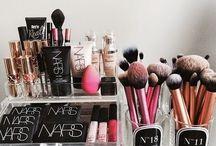 Domek dla kosmetyków