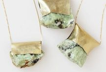To Wear: Jewelry & Accessories / by Allie Leary