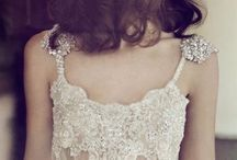 Wedding: Dresses & Accessories / by Allie Leary