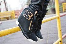 Sneakers / Mai multe modele gasesti pe http://www.standard-shoes.ro/incaltaminte-dama/sneakers.